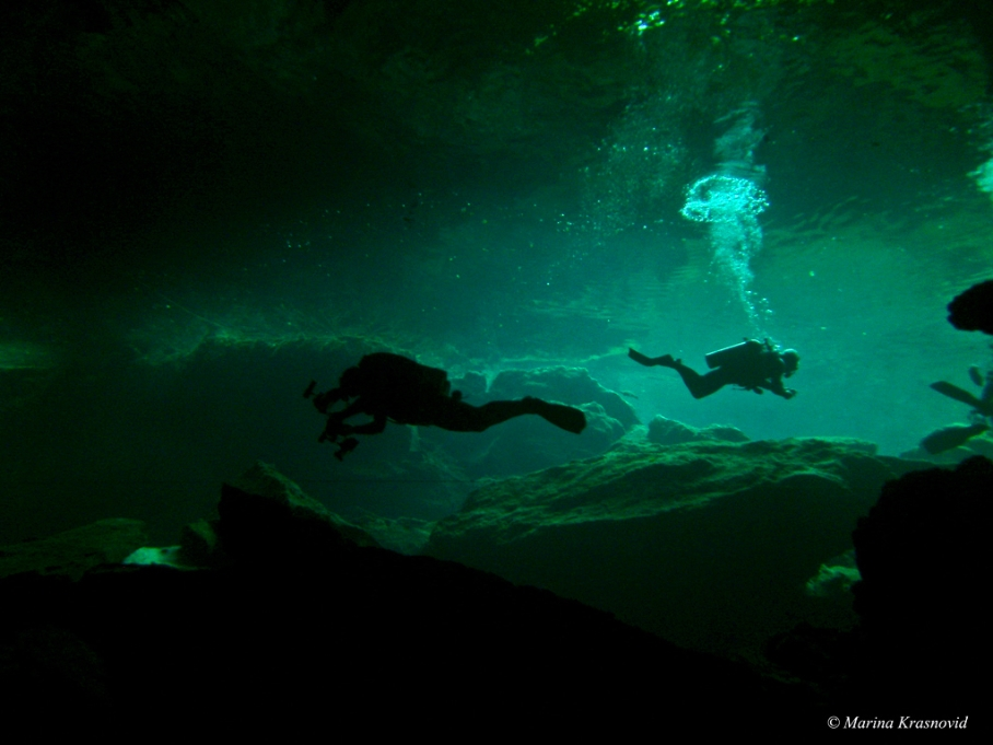 Chacmool Cenote diving
